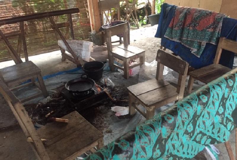 https: img.okezone.com content 2018 09 30 194 1957642 tonjolkan-motif-kearifan-lokal-ini-keistimewaan-batik-banten-DduK8wZXzh.jpeg