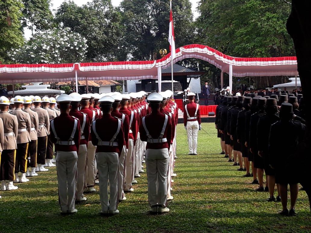 https: img.okezone.com content 2018 10 01 337 1957867 presiden-jokowi-pimpin-upacara-hari-kesaktian-pancasila-di-lubang-buaya-zikGnUTqfY.jpg