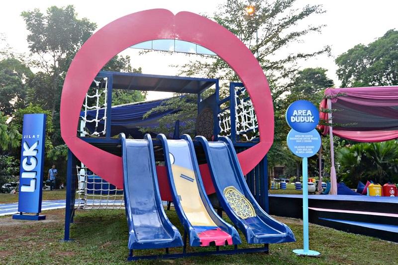 tempat ini berlokasi di Puri Indah, Kelapa Gading, Mall Ciputra dan Baywalk Mall.