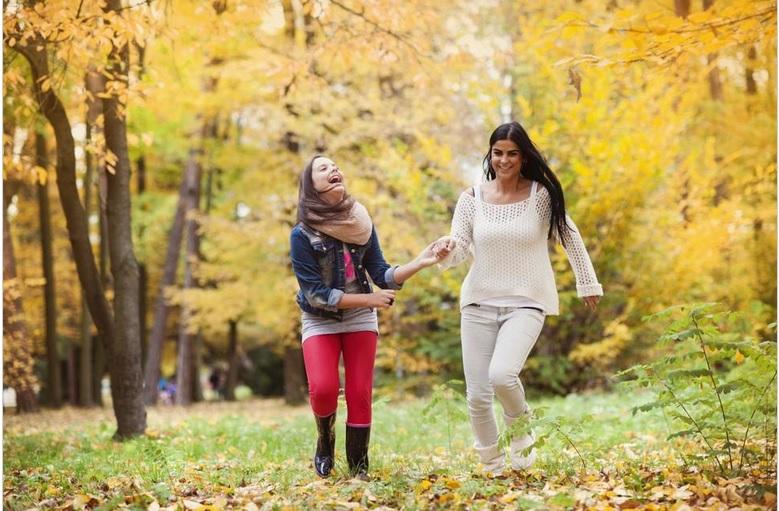 https: img.okezone.com content 2018 10 04 196 1959737 orangtua-ini-loh-5-cara-memotivasi-anak-di-era-globalisasi-97GKHYy9Ou.jpg
