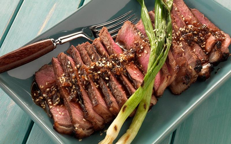 https: img.okezone.com content 2018 10 05 298 1960309 tips-bikin-steak-lezat-ala-chef-michelin-star-YLZgXLsHDZ.jpg