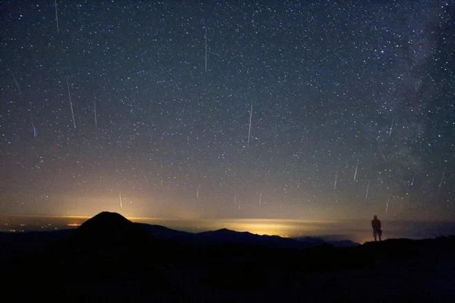 https: img.okezone.com content 2018 10 06 56 1960537 lapan-puncak-hujan-meteor-draconid-terlihat-di-seluruh-wilayah-indonesia-pada-8-9-oktober-BNC4k6Dt5G.jpg