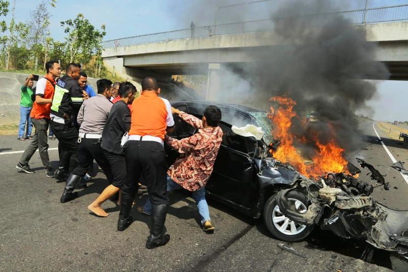 Image Result For Kecelakaan Tol Cipali