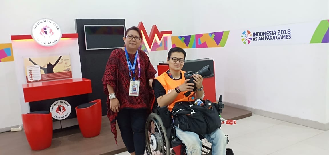 https: img.okezone.com content 2018 10 09 481 1961700 dukung-asian-para-games-2018-yji-beri-layanan-kesehatan-gratis-R2K46etQI6.jpeg
