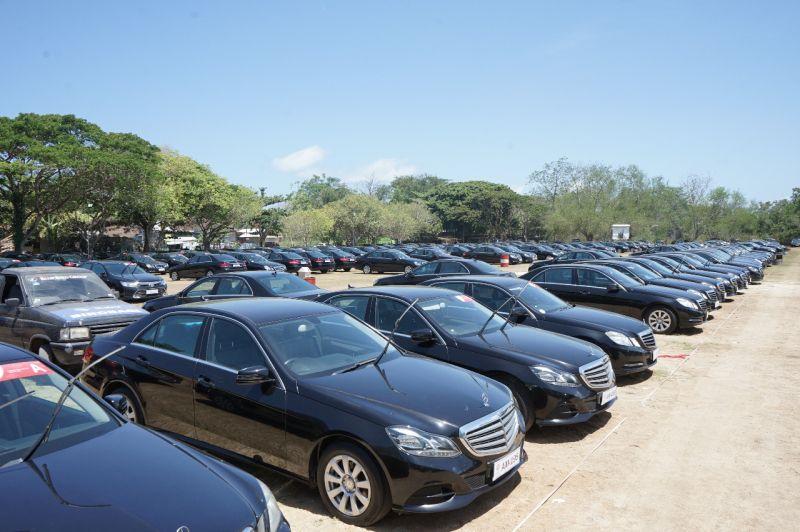https: img.okezone.com content 2018 10 10 15 1962154 mobil-mewah-yang-digunakan-delegasi-imf-merupakan-rakitan-indonesia-ZyE9b1hujt.jpg