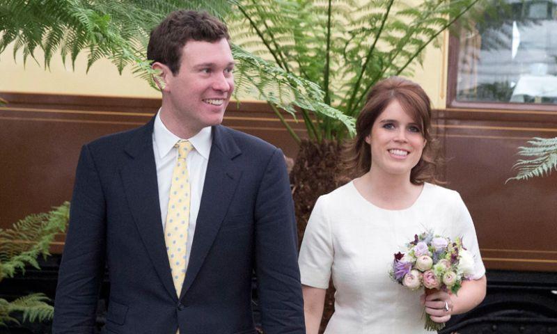 https: img.okezone.com content 2018 10 12 194 1963096 pakai-gaun-terbuka-di-royal-wedding-putri-eugenie-akan-pamerkan-bekas-luka-50Pi8EJBGR.jpg