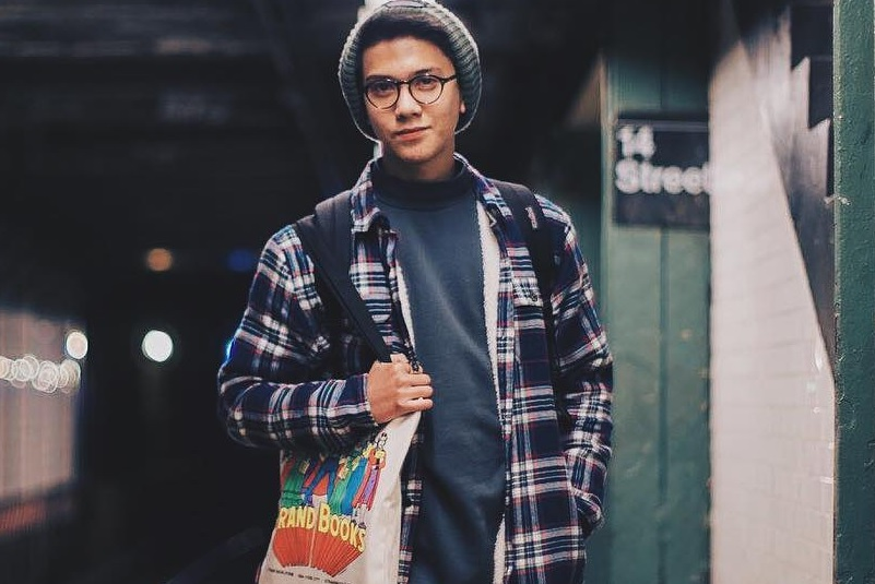https: img.okezone.com content 2018 10 12 206 1962981 iqbaal-ramadhan-bakal-buka-korea-indonesia-film-festival-2018-UjWariI3LO.jpg