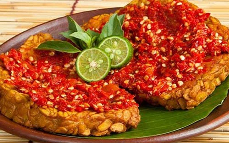 https: img.okezone.com content 2018 10 15 298 1964322 sambal-terasi-tempe-khas-gorontalo-maknyus-nya-bikin-ketagihan-ETSq3M63mQ.jpg