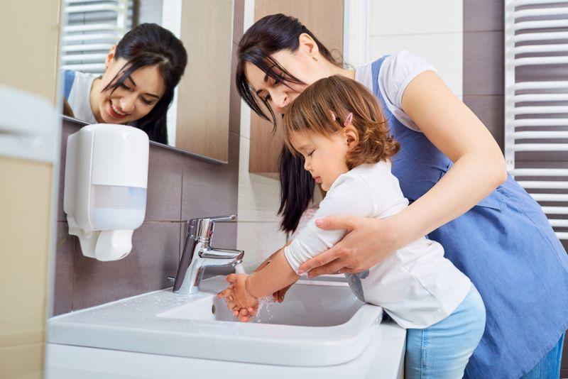 Hasil gambar untuk cara mencuci tangan yang untuk anak
