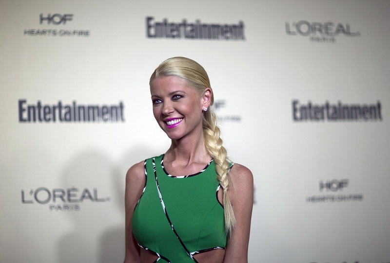 https: img.okezone.com content 2018 10 16 33 1964583 aktris-american-pie-tara-reid-diusir-dari-pesawat-gara-gara-tempat-duduk-MF0tFASJwV.jpg