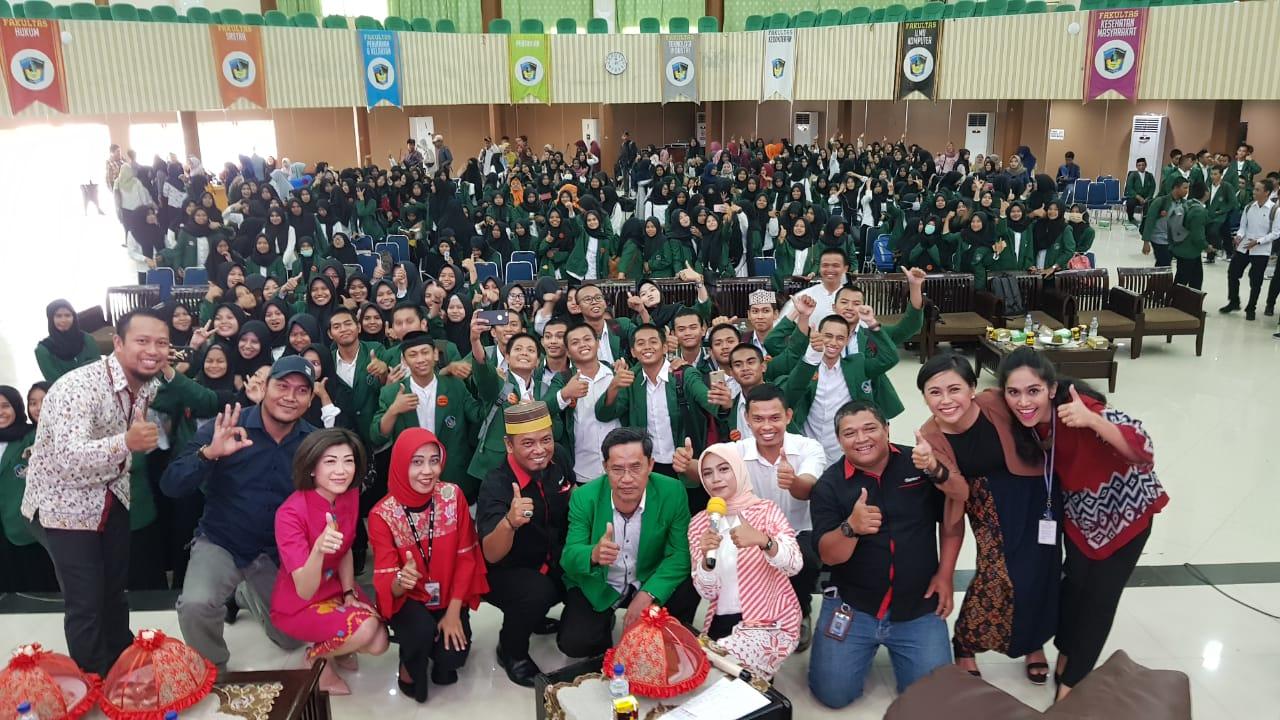 https: img.okezone.com content 2018 10 16 65 1964571 lewat-media-literasi-mnc-group-mahasiswa-umi-makassar-berpacu-dengan-teknologi-YsDh9JBR8F.jpg