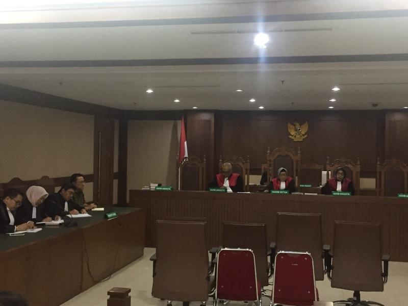 https: img.okezone.com content 2018 10 17 337 1965199 jaksa-kpk-minta-mahkamah-agung-tolak-pk-irman-gusman-0mmP2vl0bG.jpg