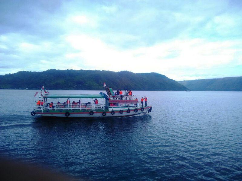 https: img.okezone.com content 2018 10 19 406 1966296 ini-yang-membuat-danau-toba-jadi-destinasi-wisata-terbaik-di-indonesiaindonesia-GYicTvwQHV.jpg