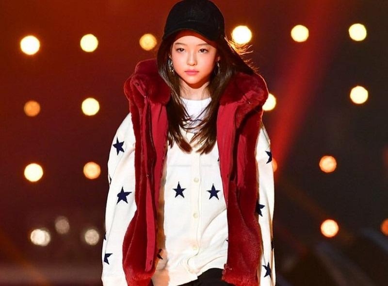 https: img.okezone.com content 2018 10 22 194 1967304 cantiknya-ella-gross-model-cilik-blasteran-korea-amerika-yang-mendunia-e49bIxvwvh.jpg