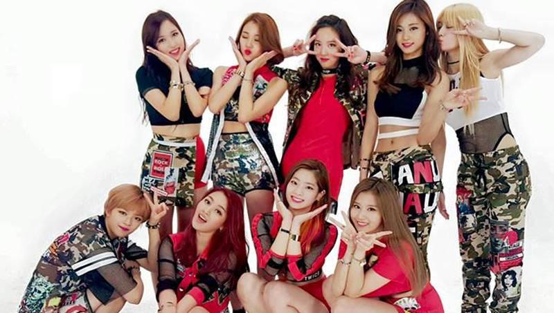 https: img.okezone.com content 2018 10 22 33 1967052 4-girl-group-ini-sukses-mengubah-sejarah-k-pop-hBiQeCXW4V.jpg