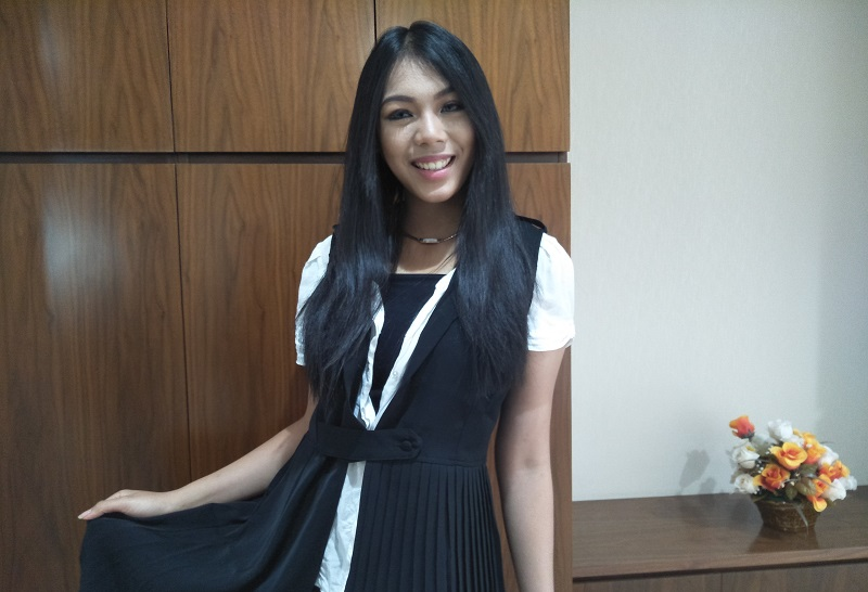 https: img.okezone.com content 2018 10 24 196 1968423 curhat-miss-indonesia-2018-alya-nurshabrina-jelang-miss-world-2018-ntV9GckLEG.jpg