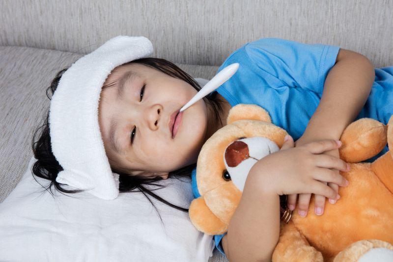 https: img.okezone.com content 2018 10 25 481 1968841 jangan-sembarang-beri-obat-dekongestan-pada-anak-saat-flu-ETuHsBIbF7.jpg