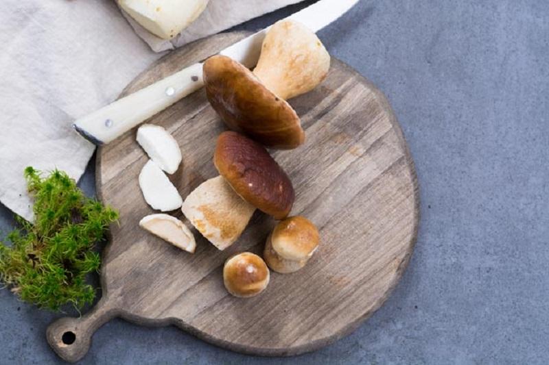 https: img.okezone.com content 2018 10 26 298 1969267 jamur-bisa-jadi-makanan-yang-aman-dikonsumsi-penderita-diabetes-1Q6dTO8vW1.jpg