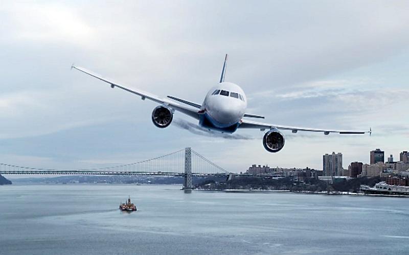 https: img.okezone.com content 2018 10 29 406 1970288 4-hal-yang-harus-dilakukan-penumpang-saat-pesawat-mendarat-darurat-di-perairan-1yCii8Bx8C.jpg