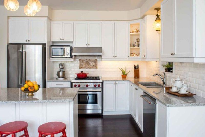https: img.okezone.com content 2018 10 30 298 1971015 ingin-dapur-tetap-kinclong-gunakan-5-trik-praktis-dari-chef-mkAY4dkIZb.jpg