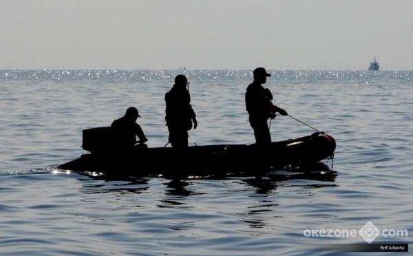 https: img.okezone.com content 2018 10 31 337 1971376 pencarian-korban-dan-puing-lion-air-jt-610-diperluas-hingga-perairan-indramayu-QnS4cpoeqk.jpg