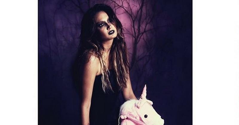 https: img.okezone.com content 2018 11 01 33 1971794 kombinasi-seksi-dan-seram-intip-foto-nadine-chandrawinata-di-perayaan-halloween-mSJoY92fY1.jpg