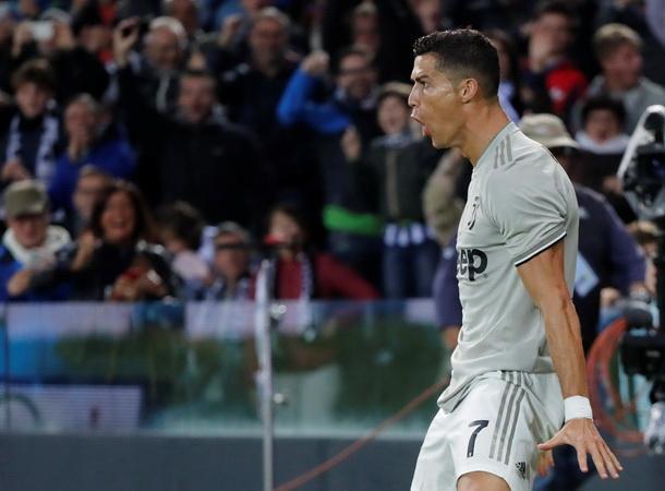 Meski Kelelahan Ronaldo Tetap Turun Di Laga Juventus Vs Cagliari Okezone Bola