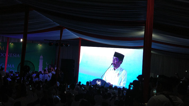 Presiden Jokowi Janjikan Bangun Rusun bagi Santri di Tangsel