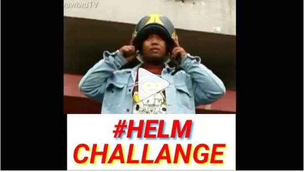 https: img.okezone.com content 2018 11 06 406 1973999 kompilasi-helm-challenge-bikin-ngakak-manakah-yang-paling-kocak-5RrxfY68Ij.jpg