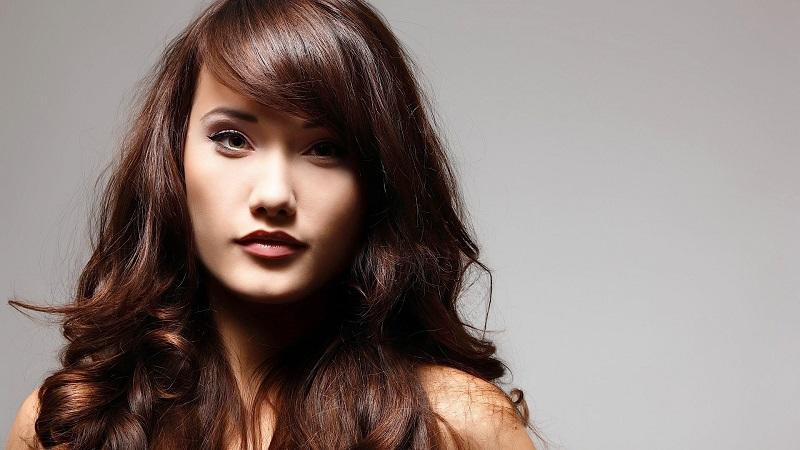 https: img.okezone.com content 2018 11 07 611 1974564 darker-side-hingga-cold-brew-warna-rambut-wanita-yang-lagi-populer-eEkE6yTfNJ.jpg