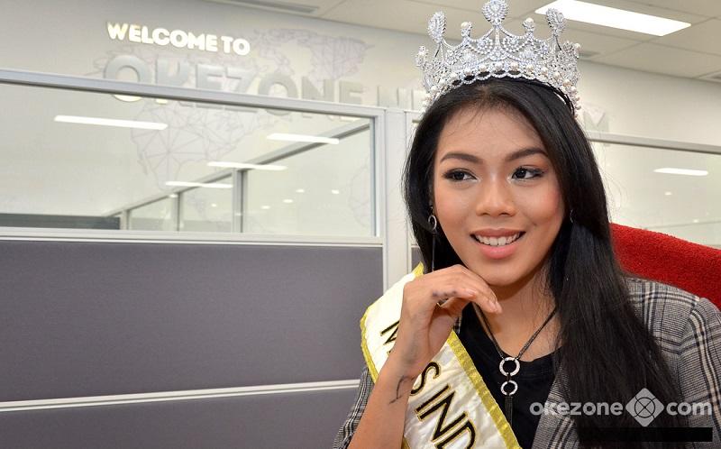 https: img.okezone.com content 2018 11 09 194 1975559 bertolak-ke-china-untuk-miss-world-2018-alya-nurshabrina-jadi-trending-topic-di-twitter-MI9PuxeQ0k.jpg