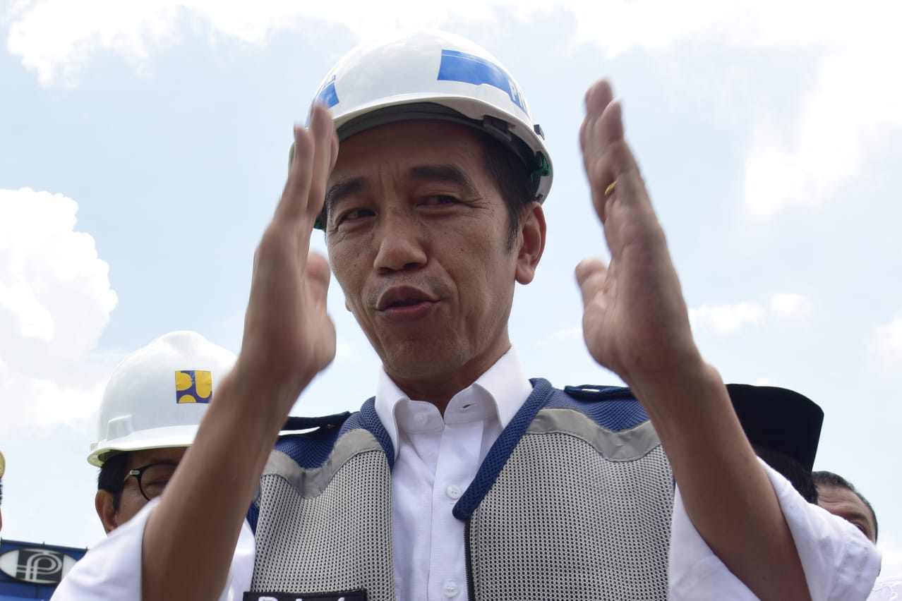 https: img.okezone.com content 2018 11 09 320 1975566 presiden-merak-surabaya-akan-tersambung-tol-pada-desember-Gb128EzDbd.jpg