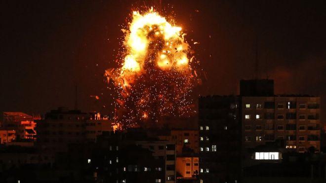 https: img.okezone.com content 2018 11 13 18 1976993 israel-hamas-saling-serang-di-gaza-pascaoperasi-rahasia-pNnHDuyaGg.jpg