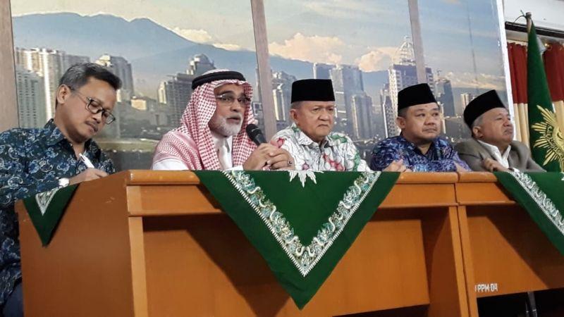 https: img.okezone.com content 2018 11 13 337 1977323 dubes-arab-untuk-indonesia-sayangkan-soal-pembakaran-kalimat-tauhid-di-garut-WF3IyG4kWU.jpg