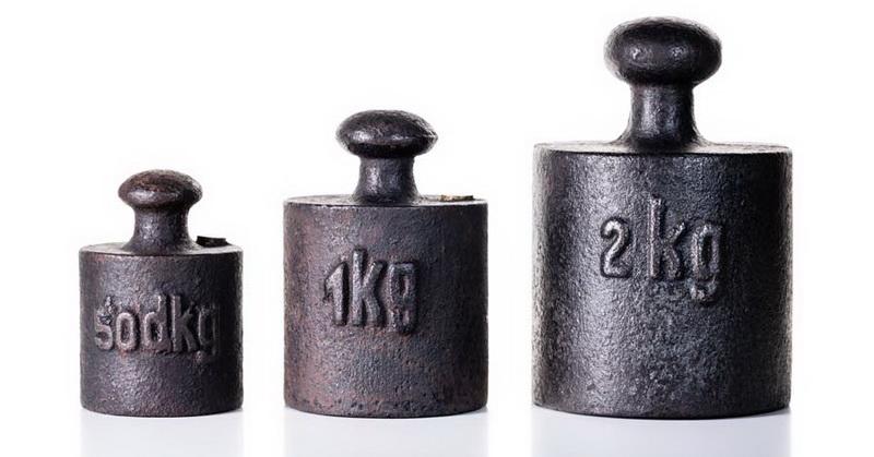 https: img.okezone.com content 2018 11 16 56 1978700 berat-1-kg-saat-ini-berbeda-dengan-1-kg-di-2019-saatnya-ganti-timbangan-hi8sKmmmkj.jpg
