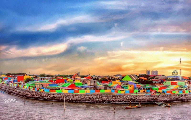 5 Destinasi Kampung Warna-Warni yang Instagramable Banget! : Okezone Travel