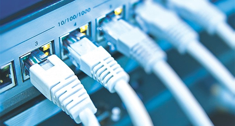 https: img.okezone.com content 2018 11 20 207 1980341 penunggakan-bhp-pt-first-media-tak-pengaruhi-layanan-internet-broadband-dan-tv-cable-FQ1CwutSwA.jpg
