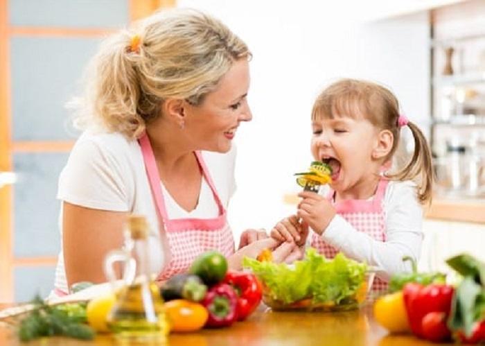 https: img.okezone.com content 2018 11 21 481 1980885 rekomendasi-makanan-dan-jumlah-nutrisi-yang-dapat-bantu-tumbuh-kembang-si-kecil-d06Q3i2mjo.jpg