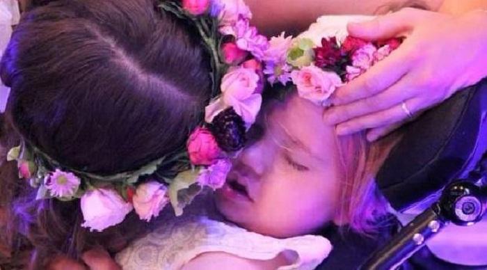 https: img.okezone.com content 2018 11 22 196 1981305 kisah-pilu-gadis-cilik-yang-meninggal-setelah-jadi-pengiring-pengantin-lMXYIAAI0u.jpg