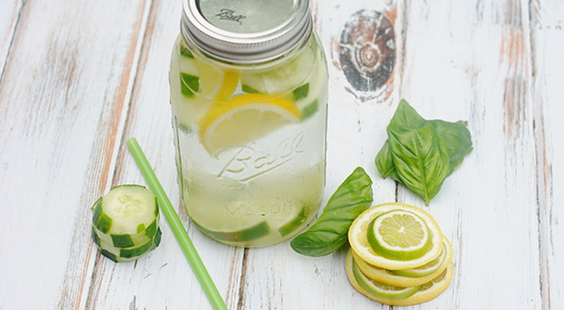 https: img.okezone.com content 2018 11 22 481 1981232 cara-bikin-minuman-dingin-lemon-untuk-turunkan-berat-badan-I0b3KKAjnc.jpg