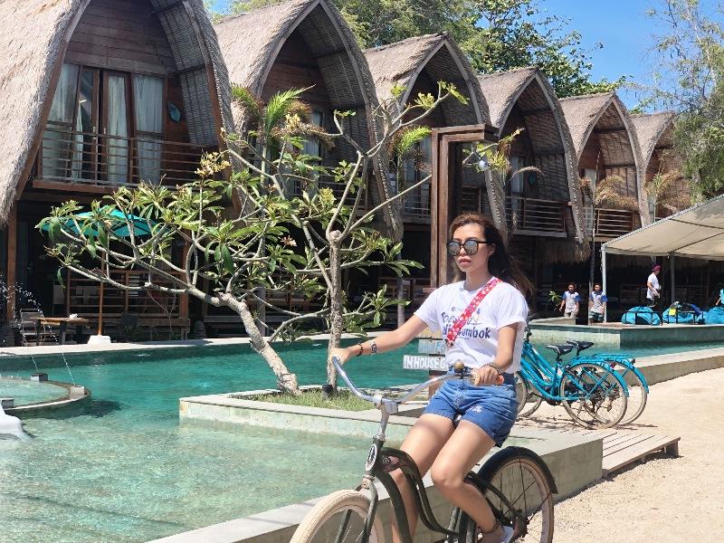 https: img.okezone.com content 2018 11 24 406 1982236 bukti-geliat-pariwisata-lombok-pasca-diguncang-gempa-1qFgwGK2Vs.jpeg