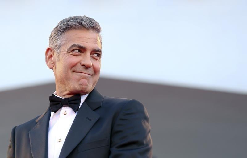 https: img.okezone.com content 2018 11 25 33 1982523 5-aktor-hollywood-dengan-kekayaan-tertinggi-8Sxi2FAKcf.jpg
