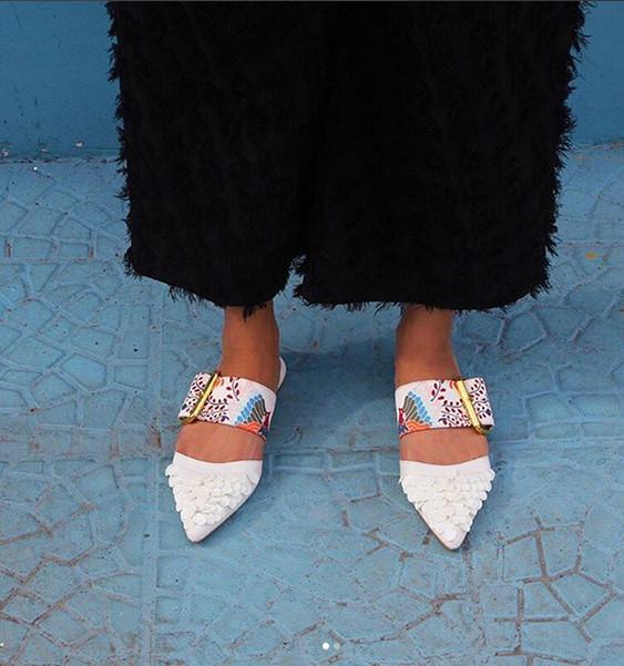 https: img.okezone.com content 2018 11 26 194 1982944 ubah-tampilan-burung-enggang-khas-kalimantan-menjadi-sepatu-dan-sandal-jadi-kekinian-sXhE0OceIB.jpg