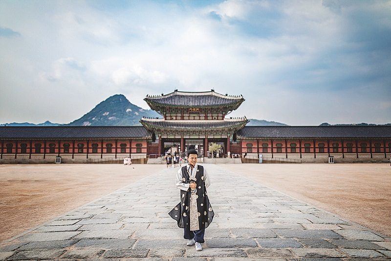 https: img.okezone.com content 2018 11 26 406 1982904 11-spot-instagramable-di-seoul-korea-yang-wajib-kamu-kunjungi-dijamin-semakin-ngehits-zQIRy2Lbet.jpg