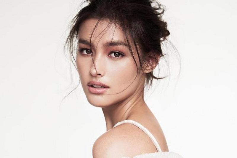 https: img.okezone.com content 2018 11 26 611 1982700 10-daftar-wanita-tercantik-di-dunia-2018-nomor-1-dari-asia-tenggara-QLb8x0D1Ay.jpg