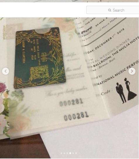 https: img.okezone.com content 2018 11 29 194 1984559 ini-bocoran-bentuk-undangan-pasangan-pengantin-crazy-rich-surabayan-JsnHH3XmEu.png