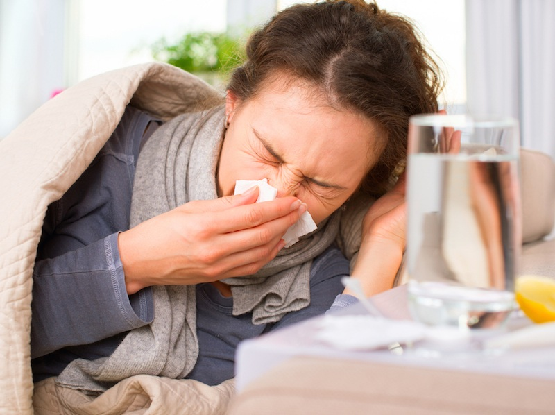 https: img.okezone.com content 2018 11 29 481 1984538 sakit-flu-tak-kunjung-sembuh-disertai-sesak-waspada-terkena-pneumonia-QB4bzqtppv.jpg