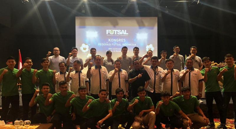 https: img.okezone.com content 2018 11 29 51 1984635 hary-tanoe-lepas-timnas-futsal-indonesia-u-20-ke-kualifikasi-piala-asia-u-20-2019-x25FdgWz34.jpg