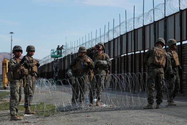 https: img.okezone.com content 2018 12 01 18 1985410 amerika-akan-perpanjang-kehadiran-militer-di-perbatasan-meksiko-eZMZPyUUMA.jpg