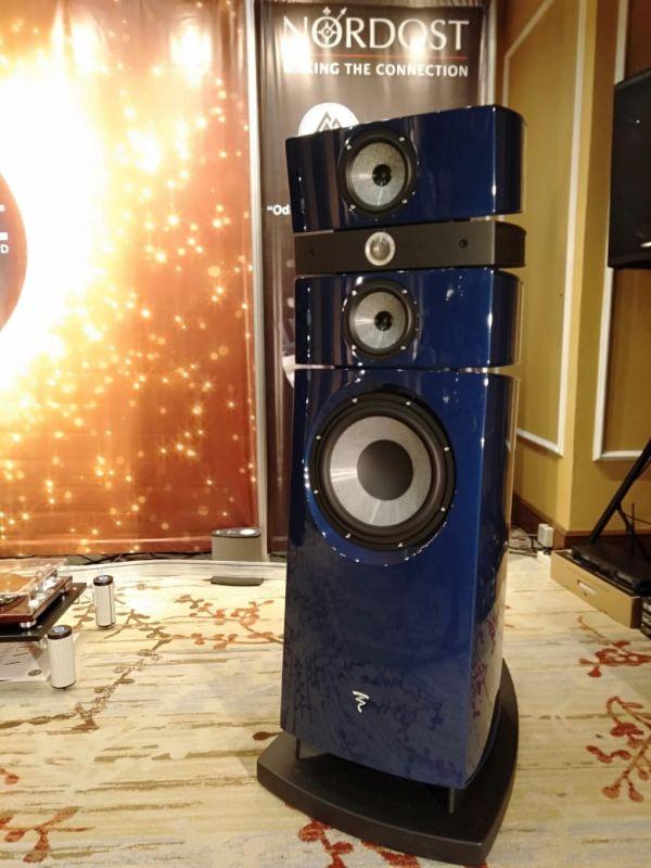 https: img.okezone.com content 2018 12 02 207 1985702 ini-teknologi-speaker-stella-utopia-em-evo-iii-seharga-rp5-miliar-nCFcbF5c5l.jpg